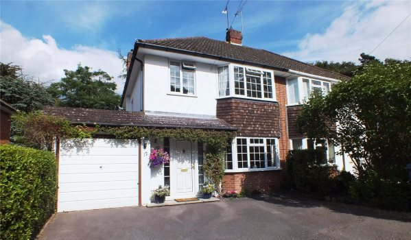 Semi-detached house in Church Crookham
