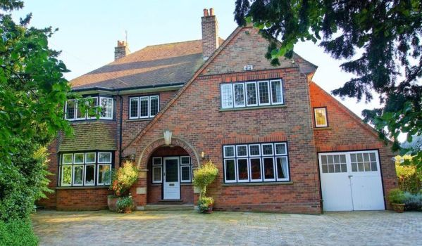 Detached house in Bromsgrove