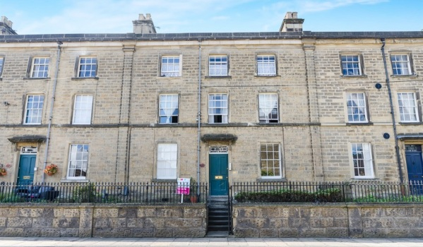 Flat for sale in the Peak District.