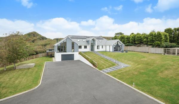 Modern six-bedroom house St. Austell, Cornwall