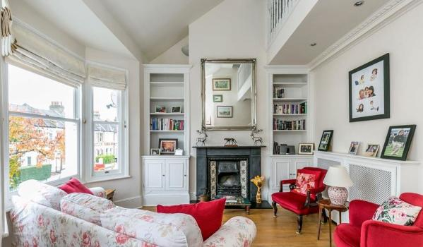Flat for sale in Acton.