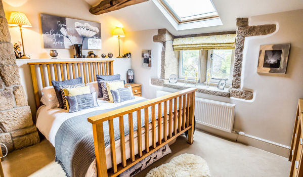 Relaxing bedroom in a terraced house in Hebden Bridge