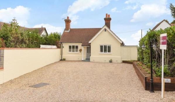 Bungalow in Abridge