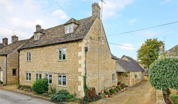 Cotswold stone house in Cirencester