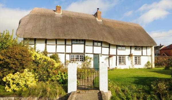 Quintessentially English cottage.
