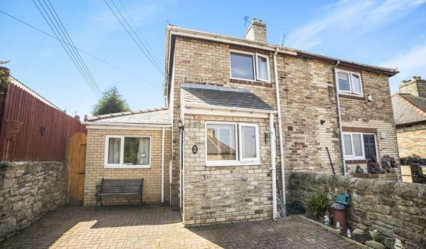 Semi-detached stone house in Crawcrook