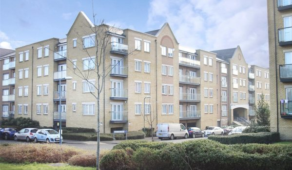 Two-bedroom flat in Northfleet, Kent
