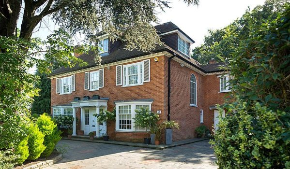 Detached house in Kingston-Upon-Thames