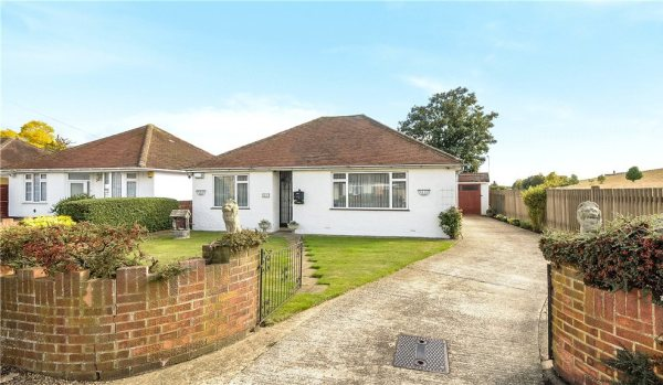 Bungalow in Slough