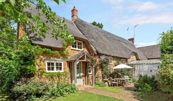 Pretty cottage in Oxfordshire