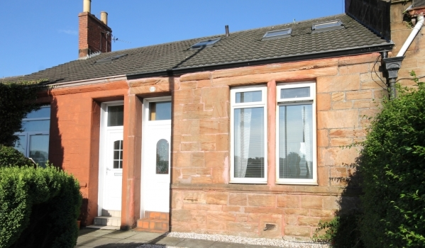 Terraced stone cottage in Wishaw
