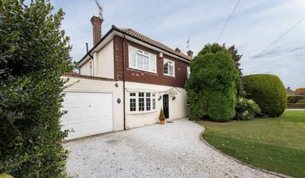 Detached house in Hutton, Shenfield