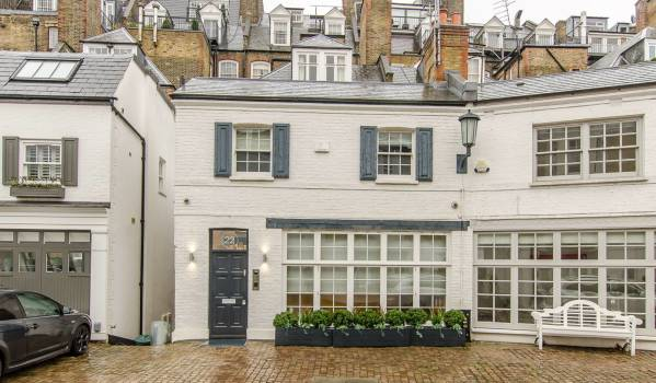 Knightsbridge mews house