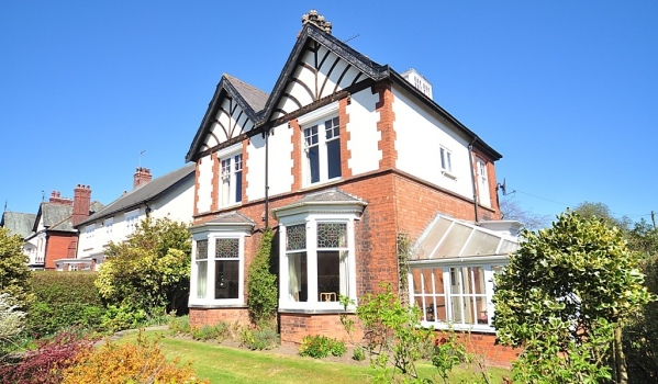 Semi-detached house in Driffield