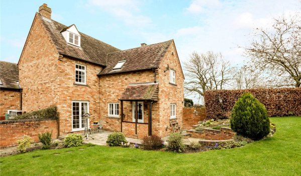 House for sale in Pershore.