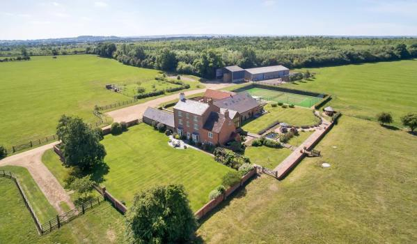 Country house for sale in Priors Marston