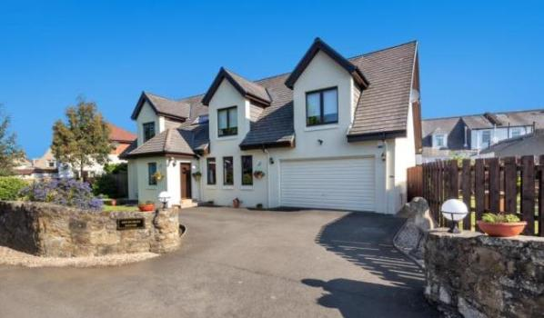 Large family home in Ayr