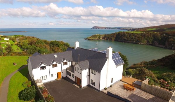 House with stunning sea views in Fishguard