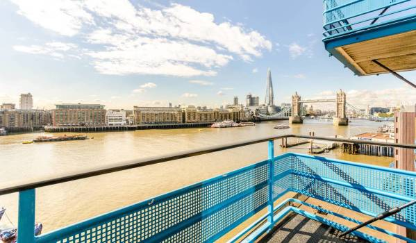 Views of the River Thames from a luxury flat