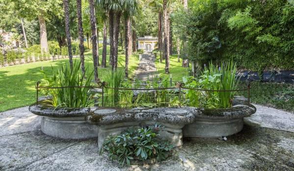 Lake Como penthouse apartment gardens