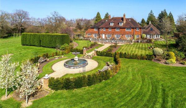 Country house garden in Wadhurst