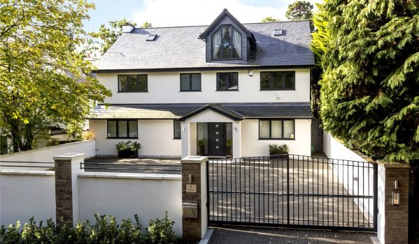 Modern house in Kingston Upon Thames