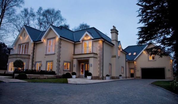 Plush mansion in Prestbury