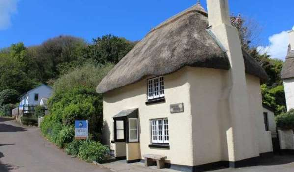Thatch cottage in Hope Cove
