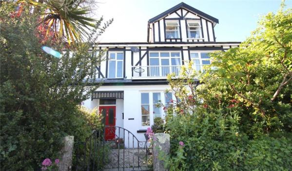 Three-bedroom maisonette in Falmouth