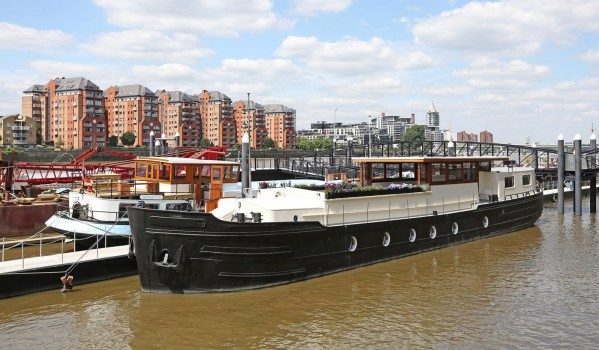 Houseboat in Battersea