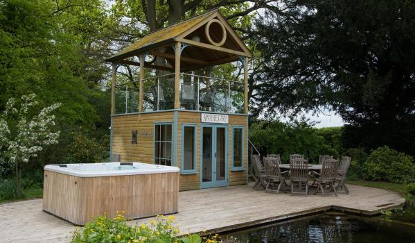 Two-storey summer house in Bury St. Edmunds
