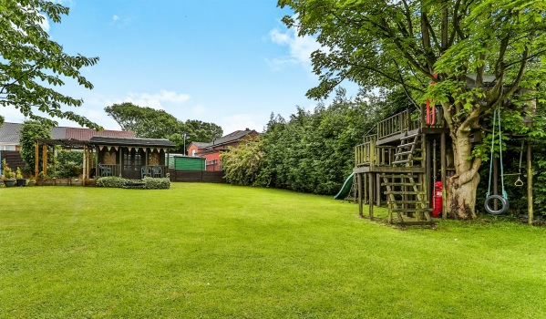 Camouflage treehouse in Staincross, Barnsley