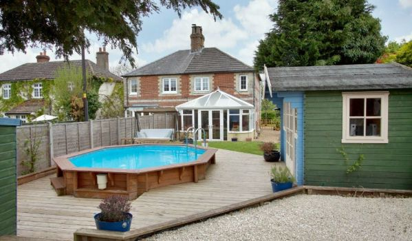 Outdoor swimming pool in Thruxton cottage