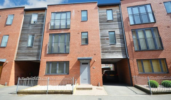 Top town houses for sale on zoopla zoopla for Modern house zoopla