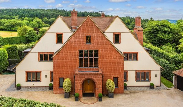 Art's & Craft style mansion in Guildford