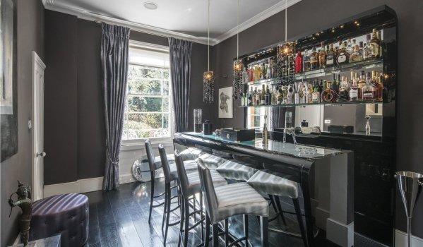 Luxurious bar in a terrace house in St John's Wood