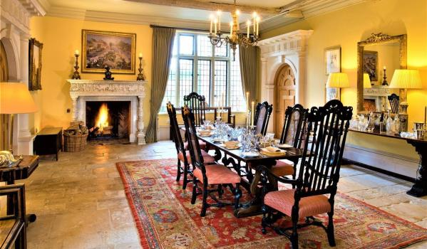 Dinning room in Ayot Montfichet country house in Hertfordshire