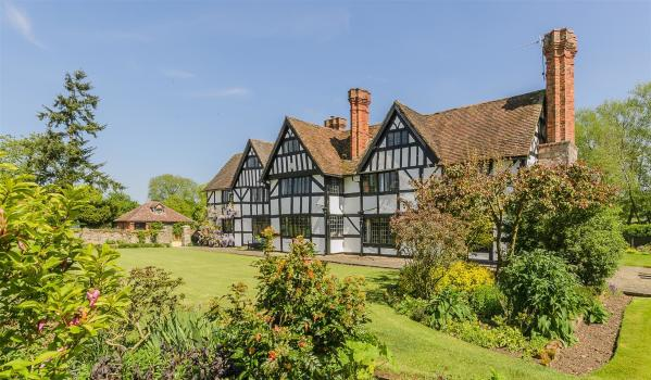 Tudor house in Himbleton