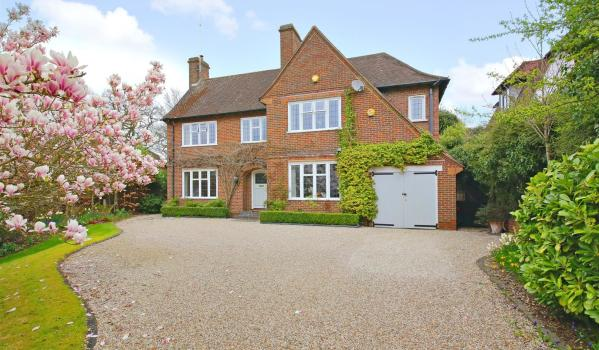 Detached family home for sale