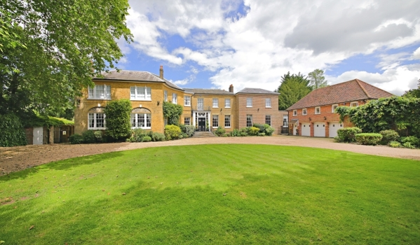 10-bedroom property in Barnet, north London