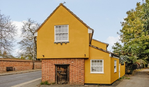 5 Homes In The Most Haunted Places In England Zoopla