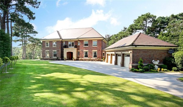 Six-bedroom mansion in Poole
