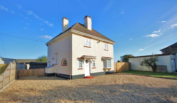 Three-bedroom detached house in Great Holland