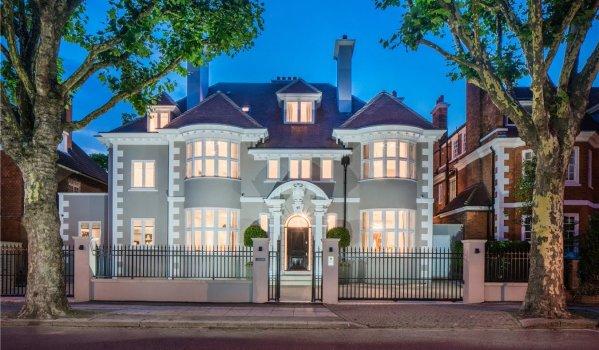 Eight-bedroom mansion in Primrose Hill