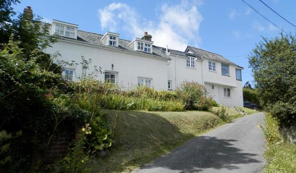 Detached house in Parcllyn with sea views