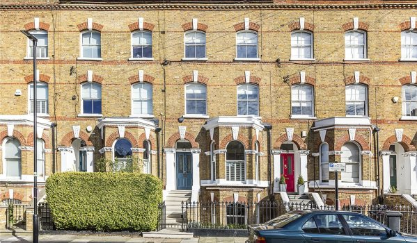 Four-bedroom terraced house in Clapham