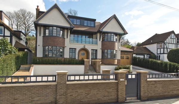 Six-bedroom detached house in Wimbledon Park