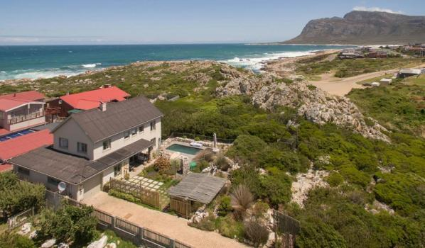 Three-bedroom detached house in Kleinmond