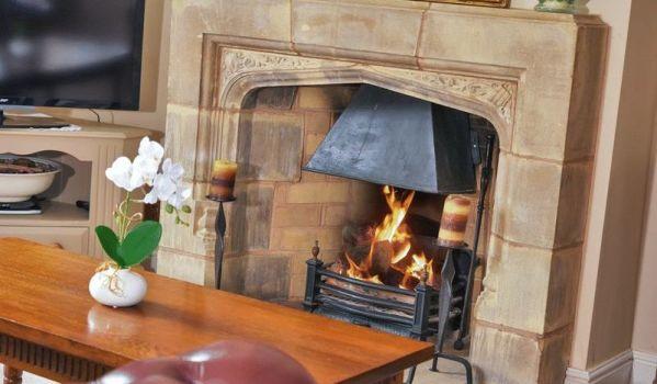 Open fire in a six-bedroom property in Stoney Stanton