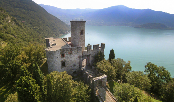 Six-bedroom castle in Monte Isola